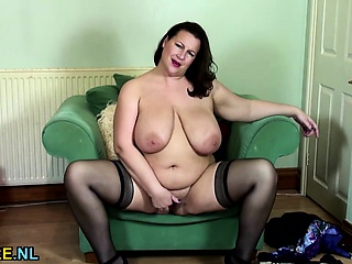British chubby housewife fingering herself