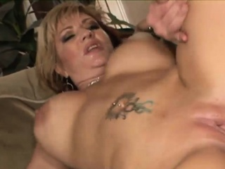 Raunchy cougar with huge titties gets nailed
