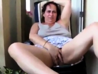 French Maw Angelique fingering in her patio