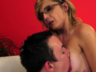 Spex GILF with faketits gets her ass banged