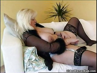 Chubby housewife in stockings plays with new making love toy