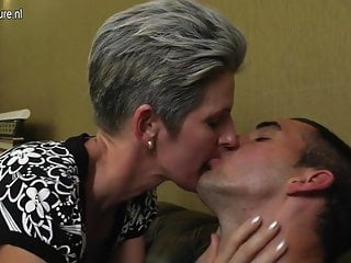 Mature skinny mom fucks will not hear of son's friend