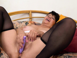 EuropeMaturE Solo Bestial Take off added to Toying