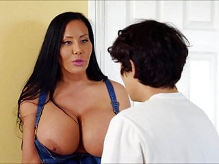 Sybil Stallone Sex-crazed Mom