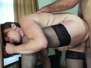 Hairy old mature takes duo cocks from both d�bris