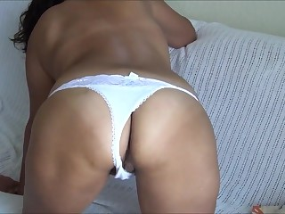 Licking hole irritant lynn in white panty