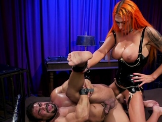 Huge gut shemale bombshell bangs slave