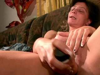 german ugly housewife masturbate at casting pov