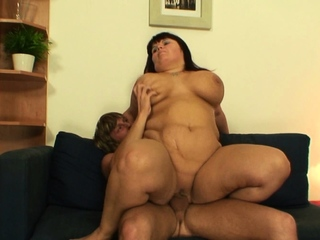 Famous tits old mature swell up and ride his broad in the beam dick